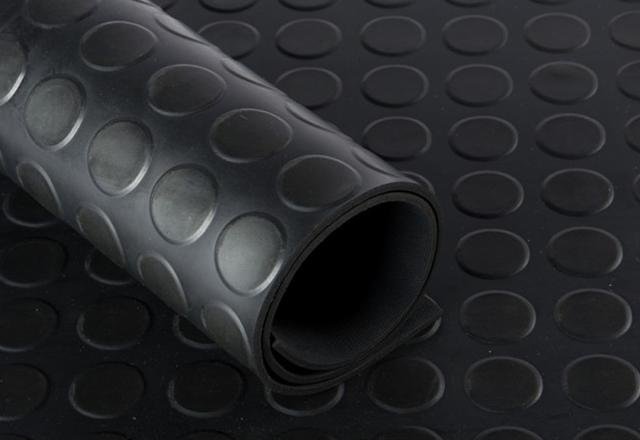 rubber-united-stud-flooring-black